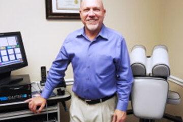 Dr. Robert Lindberg